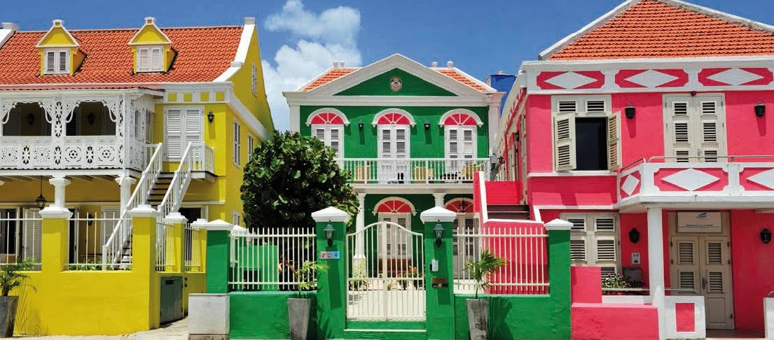Living in Curacao